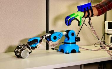 Electrical stimulation improves robot-assistive surgery