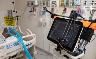 Robotic system controls COVID-19 patient ventilators