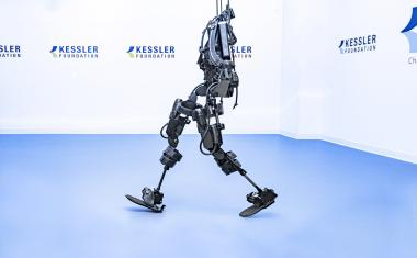 Exoskeleton improves mobility in patients with spinal cord injury