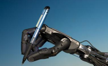 Robot hands one step closer to human