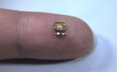 Wireless implant detects oxygen deep within the body