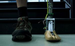 """Smart"" prosthetic ankle can adapt to rough terrain"