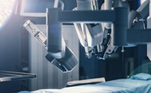 Robot-assisted surgery: high costs, few advantages