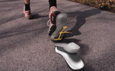 Smart insole monitors foot health for diabetic patients