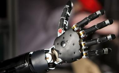 Prostheses could alleviate amputees' phantom limb pain
