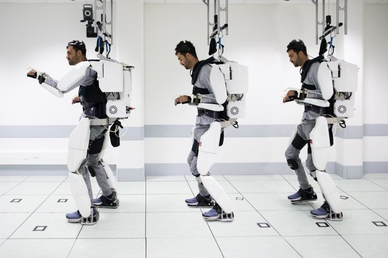 An exoskeleton allows a tetraplegic patient to move • tectales • tagging  medical technology